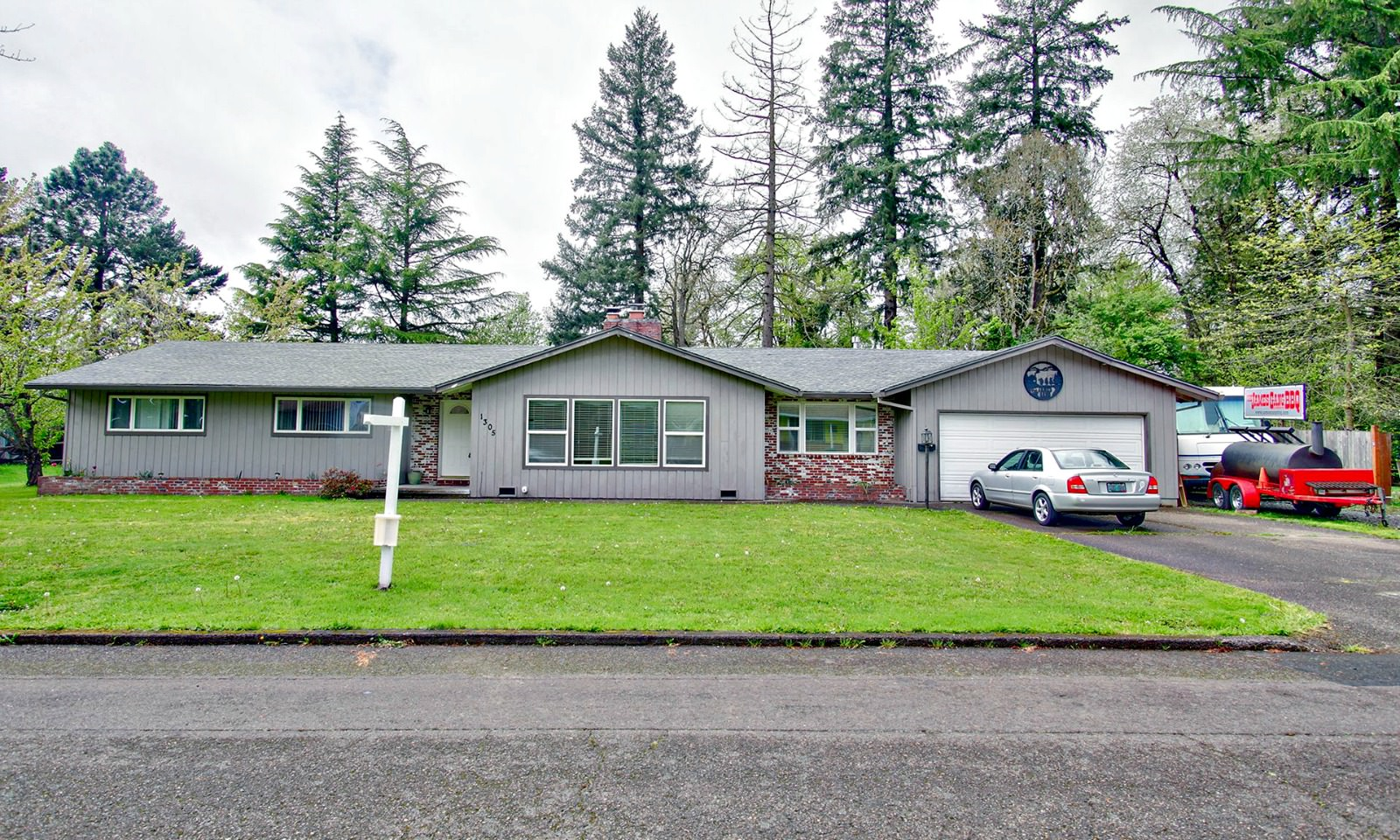 Newberg Home for Sale 1305 NE Newall Rd